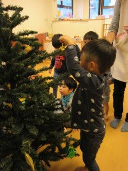 ♪クリスマスツリーの点灯式をしました。